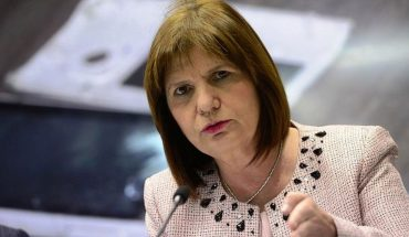 They target Bullrich for the delivery of military weaponry to Bolivia