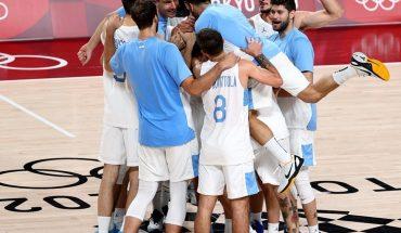 Argentina venció a Japón y se metió a cuartos de final