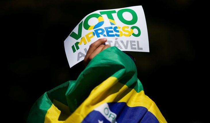Brasil: Seguidores de Bolsonaro marcharon en contra del sistema electoral