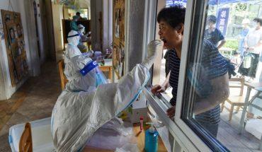 Millones de confinados en China por brote de variante delta de COVID