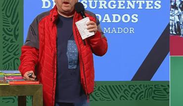 Paco Ignacio Taibo presenta colección de libros