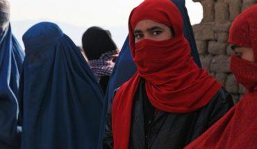 """"""" las mujeres allá por los talibanes no pueden vivir"""" — Rock&Pop"""