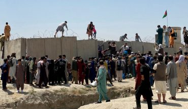 Thousands of desperate people unleash chaos at Kabul airport