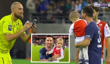 [VIRAL] Reims goalkeeper asks for a photo with his son to Messi after his debut for PSG