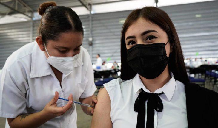 Aplicarán primera dosis a mayores de 18 en tres municipios del Edomex