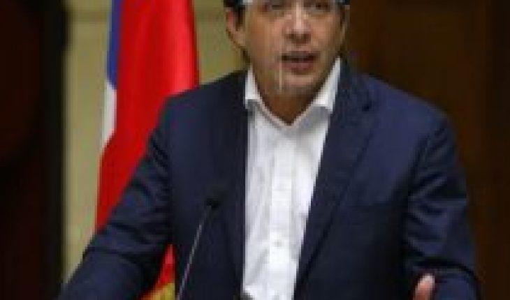 Aumenta tensión en RN: directiva ingresa denuncia contra diputado Durán ante Tribunal Supremo del partido y Schalper confirma que colectividad evaluó «quitarle el patrocinio»