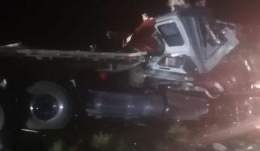 Choque entre autobús y tráiler deja 16 personas muertas en Sonora