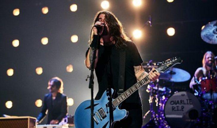 Foo Fighters rockean junto a divertidos corporeos en viral video