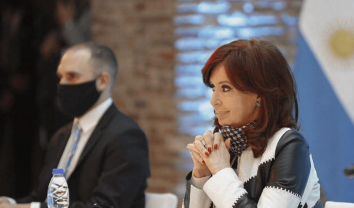 Guzmán habló con Cristina Kirchner y esta noche envía el Presupuesto 2022