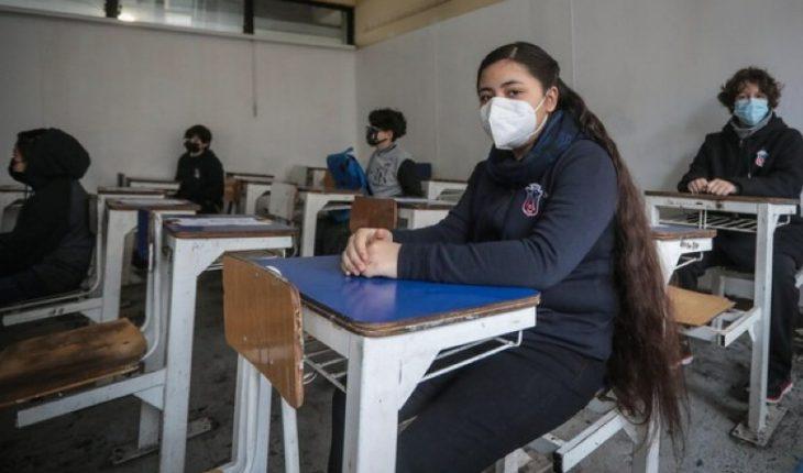 Instituto Nacional recibió a las primeras alumnas de su historia de forma presencial