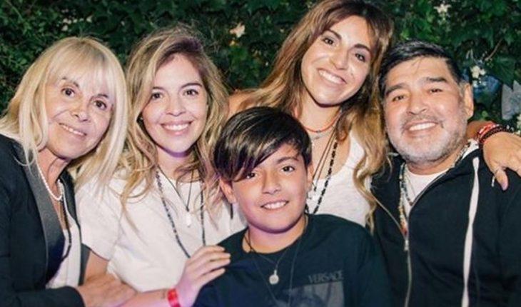 """La familia de Diego Maradona recuperó y activó su cuenta de Instagram: """"Queremos que tu fuego inigualable no se apague nunca"""""""
