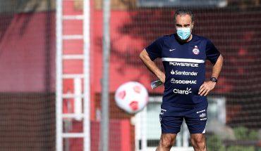 """Lasarte dijo que puede usar a Vidal de """"9"""" falso y espera por Aránguiz"""