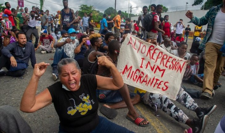 Migrantes marchan en Chiapas; exigen a México poder transitar hacia EU