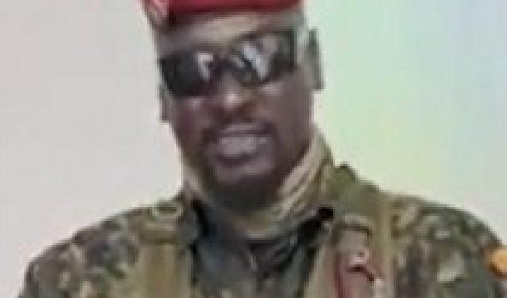 Militares dan golpe y detienen al presidente de Guinea, Alpha Condé