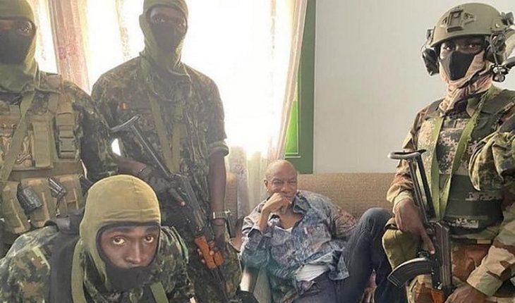 Militares derrocan al presidente de Guinea y anuncian disolución de la Constitución y del Gobierno