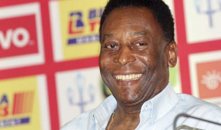 Pelé fue operado en Brasil de un tumor en el colon