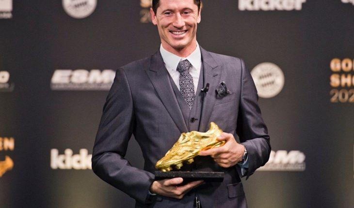 Robert Lewandowski recibió la Bota de Oro como máximo goleador
