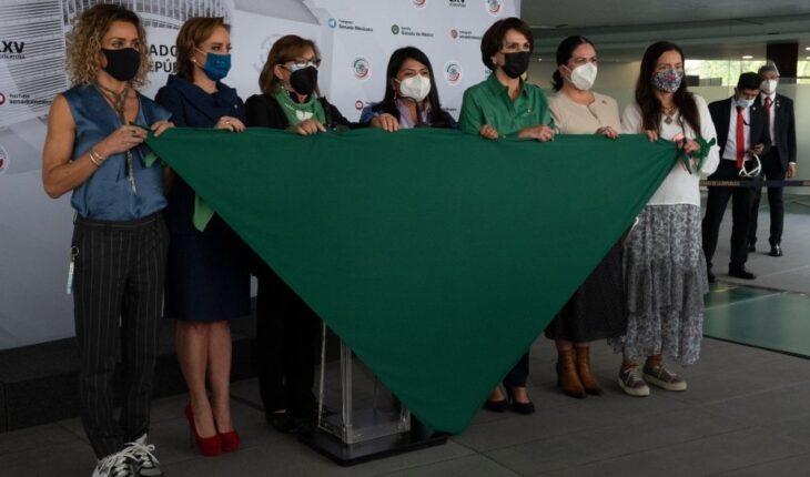 Senadoras van por reformar Ley de Salud y Código Penal a favor del aborto
