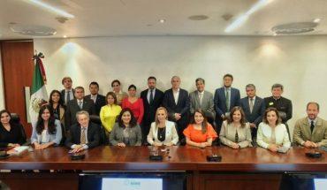 Senadores del PAN firma alianza con ultraderecha española contra el 'avance del comunismo'