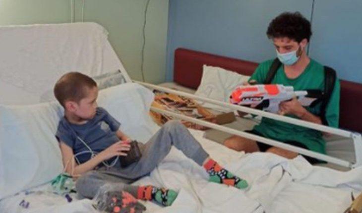 Totalmente quebrado, Santi Maratea despidió a Fede, un niño que murió de cáncer