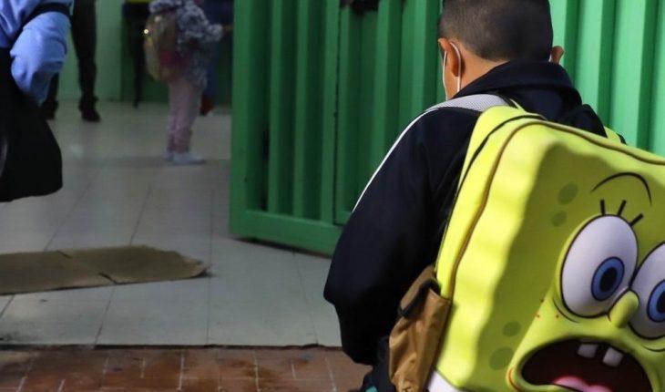 Van 22 niños infectados de Covid-19 tras regreso a clases en NL