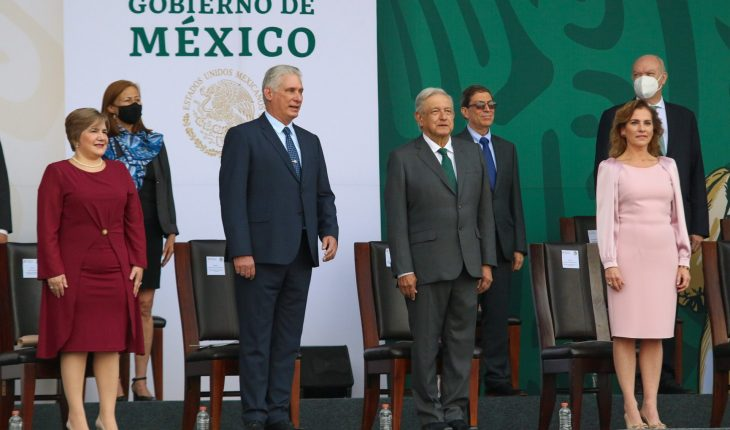 AMLO asks the US to lift blockade on Cuba by leading military parade