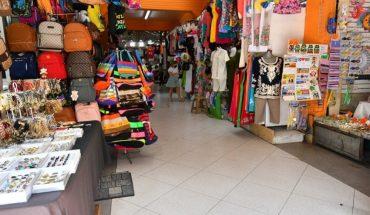 Health relaxed at the Pino Suárez market in Mazatlan