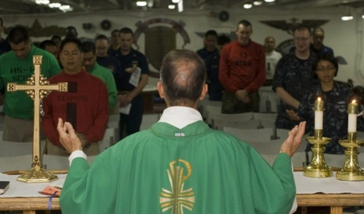 Resignation of Bishop of Spain after falling in love with a writer
