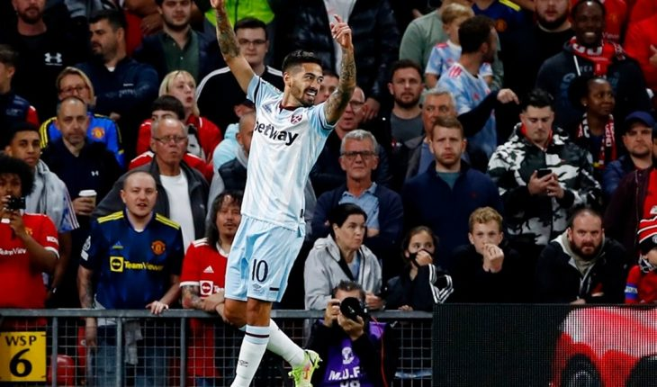 With Lanzini's goal, West Ham eliminated Manchester United from the League Cup