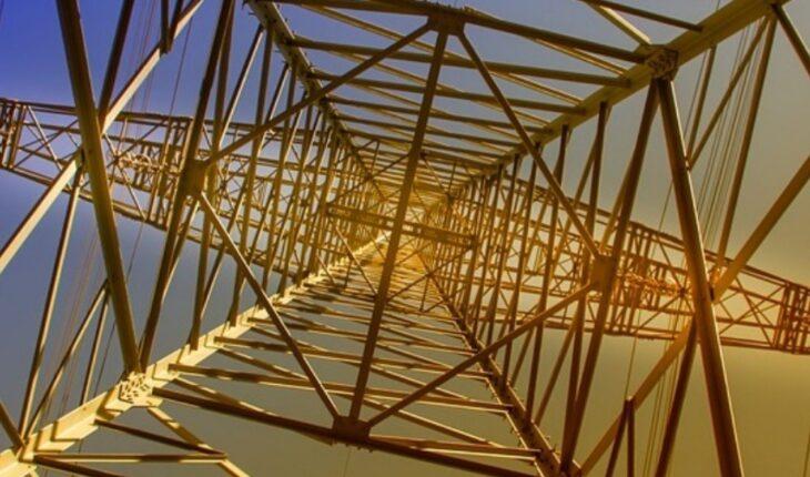 Coparmex advierte riesgos a las tarifas con reforma eléctrica de AMLO