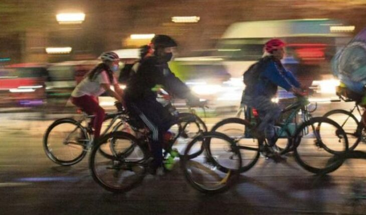Estudio: la mayoría de ciclistas no usa luces y 13% ignora semáforos