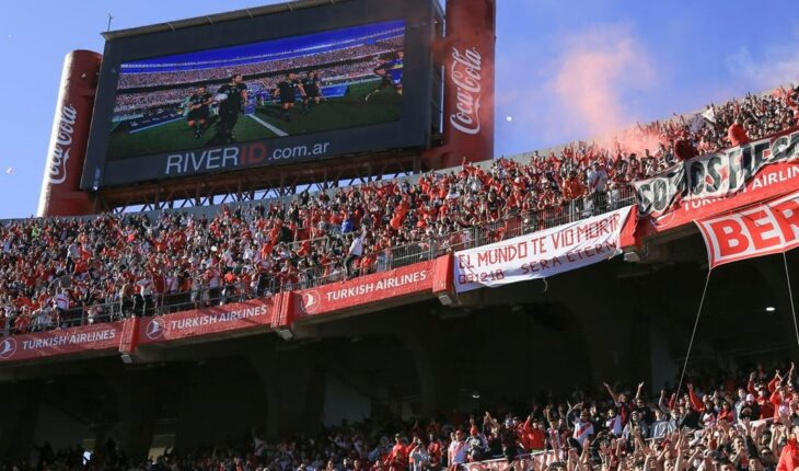 Exceso de público en los estadios: imputaron a los presidentes de River y Vélez