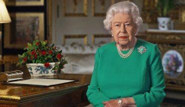 La Reina Isabel II pasó la noche del miércoles en hospital para someterse a exámenes