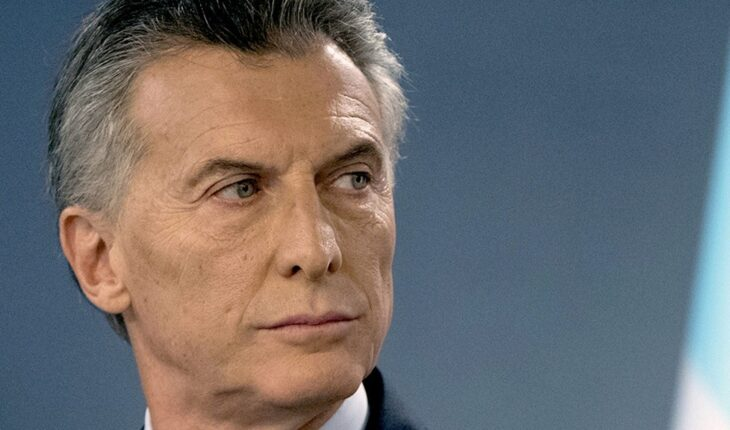 Macri was notified, but remains abroad and will not go to the inquiry