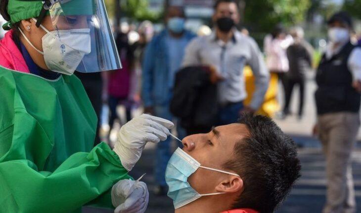 Salud registra 790 muertes más por COVID; casos se reducen 12%