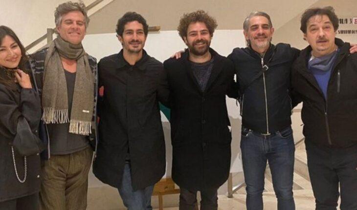 Úrsula Corberó y El Chino Darín disfrutaron de una noche de teatro en la función de ART