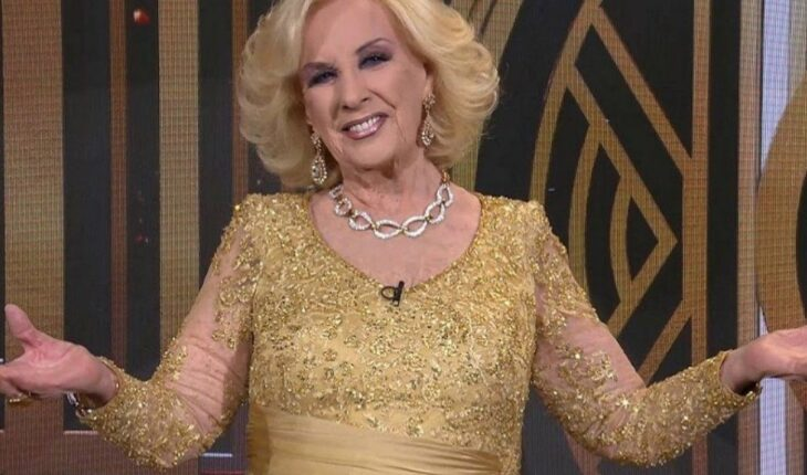 """Mirtha Legrand remains """"in clear improvement,"""" said the medical report"""